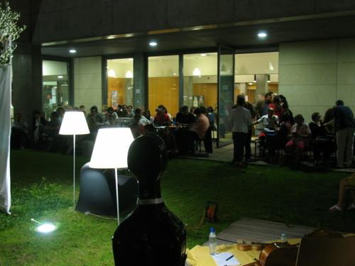 Claustro da Biblioteca de Espinho em actividade pública