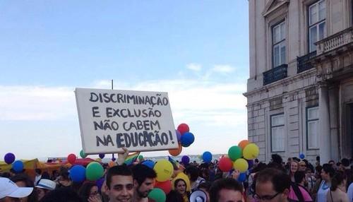 escola homofobia.jpg