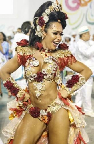 Raíssa Oliveira (Carnaval Rio 2018).jpg