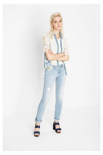 Desigual-exotic-jeans-3.jpg