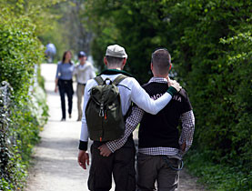 a caminho da escola- mostrar ou não ser gay