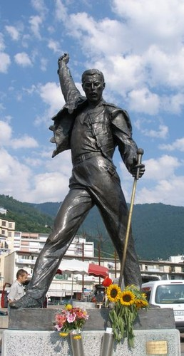 Freddie_Mercury-Estátua