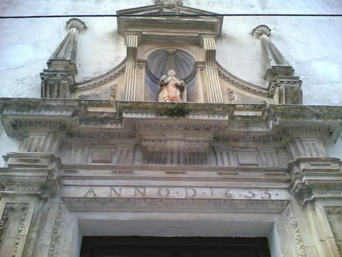 Convento de Tentúgal: Santo e data na porta