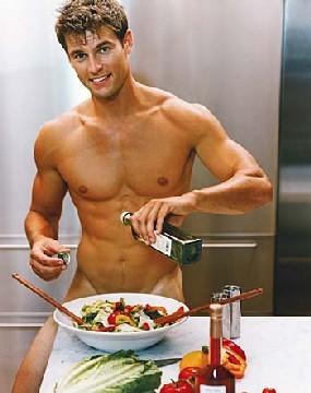 Fiz o pequeno-almoço ao meu amigo gay