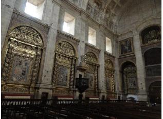 Interior da igreja do mosteiro.png
