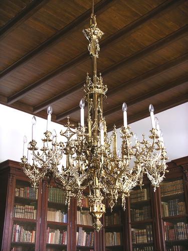 Candelabro neogótico dos Patudos.tif