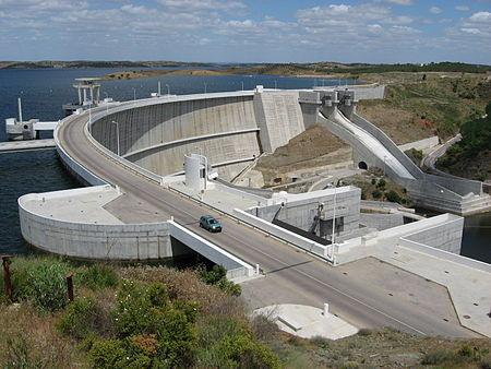 450px-Alqueva_dam.jpg