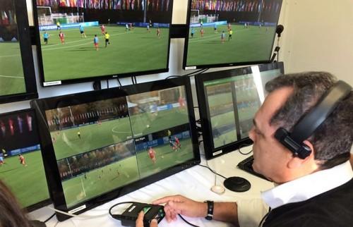arbitro-em-vídeo.jpg