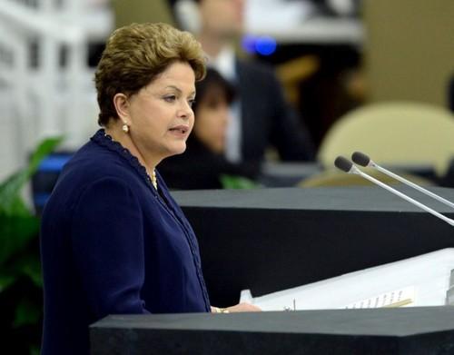 Dilma Rouseff, Uma mulher com eles no stio