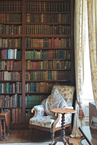 Vintage-Inspired-Home-Libraries-To-Envy-7.jpg