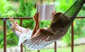 a ler um livro.jpg