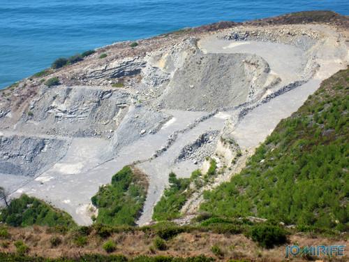 Exploração da pedreira na Serra da Boa Viagem na Figueira da Foz (3) [en] Quarry Exploration at the Boa Viagem Mountain in Figueira da Foz, Portugal