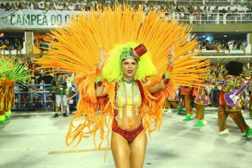 Julianne Trevisol (Carnaval Rio 2018).jpg