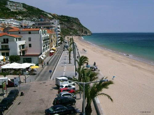 Sesimbra-calçadão-praia- zona de restaurantes