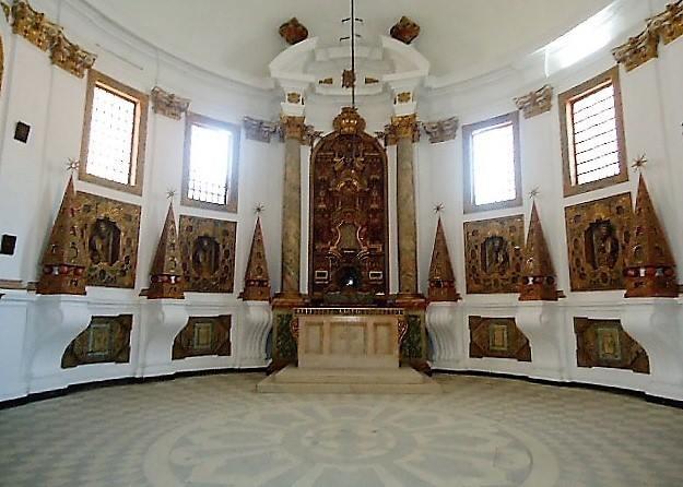 Igreja de Santa Cruz. Santuário 01 a.jpg