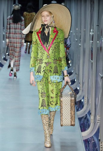 Gucci-desfile-FW17-45.jpg