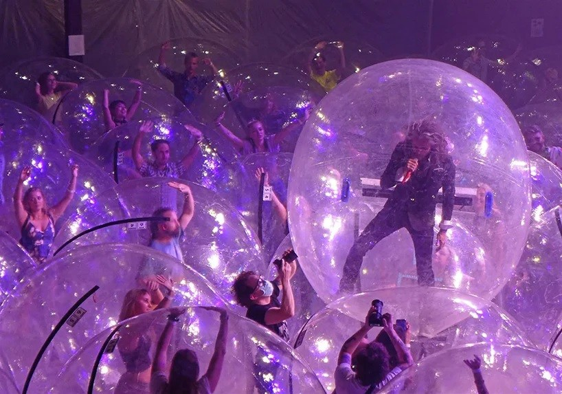 3 flaming-lips-plastic-bubble-concerts.jpg