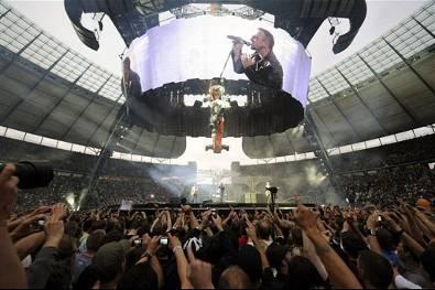 U2 em palco Foto: AFP