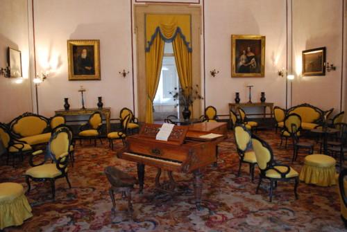 Palácio_de_Mafra_-_Salão_amarelo[1].jpg