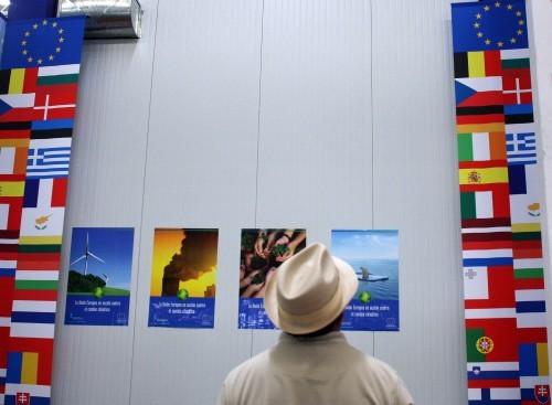 © European Union, 2011