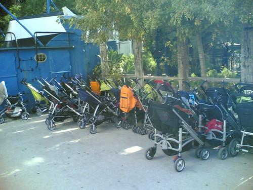 Estacionamento de carrinhos de bebé