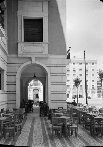 Praça do Areeiro (lado Sul), Lisboa (Horácio Novais, s.d.)