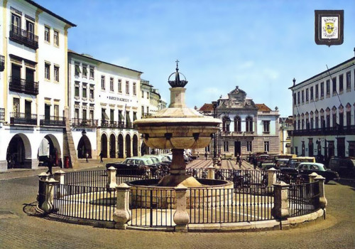 Évora - Praça do Giraldo.jpg
