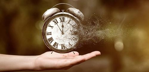 relógio-mão-tempo.jpg