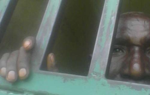 batwa preso uganda caçadores