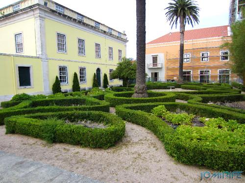 Marinha Grande - Jardim do Arquivo Municipal [en] Marinha Grande in Portugal - Garden of the Municipal Library