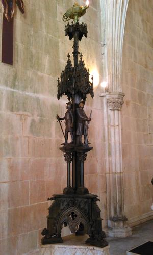 Lampadário Chaves de Almeida 03 a.png