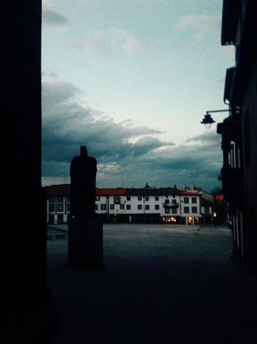 praça velha - Adaixo.jpg