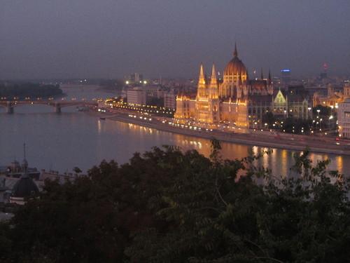 Budapeste - Parlamento avistado do Palácio Real