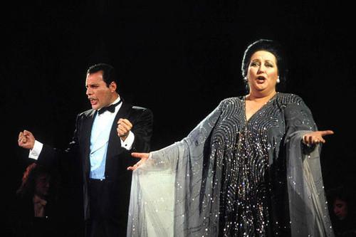 Freddie_Mercury-Montserrat_Caballé-Barcelona-Nelson_Camacho