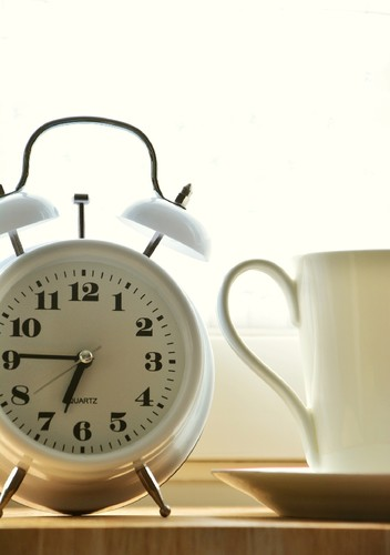 alarm-clock-2116006_1920.jpg