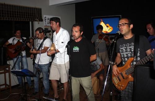 Os Ti-Notas, em noite de primeiro álbum...