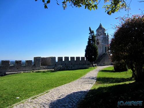 Castelo de Montemor-o-Velho - Muralha e sino [en] Castle of Montemor-o-Velho in Portugal