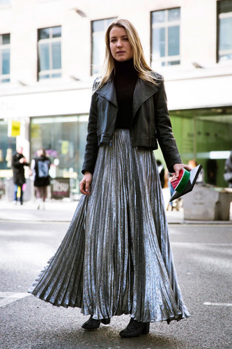 silver-pleated-maxi-skirt-black-turtleneck-black-m