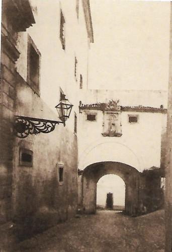 Colégio de S. Agostinho arco fotografia.jpg