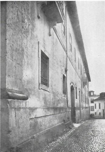 Colégio de S. Rita ou dos Grilos fachada.jpg