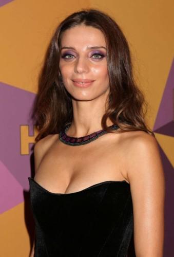 Angela-Sarafyan -HBOs-Official-Golden-Globe-Awards