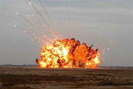 explosion foab 02.jpg