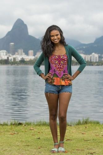 Aline Dias 2.jpg