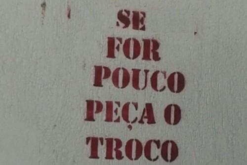 VozDasParedes=SeForPoucoPecaTroco.jpg