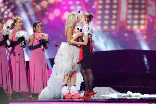 KRISTA-SIEGFRIDS Eurovision 2013.jpg
