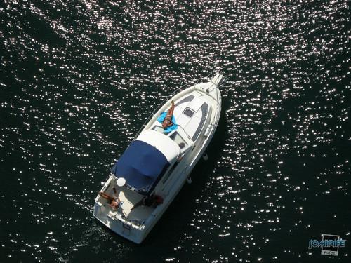 Barco de recreio de férias no lazer