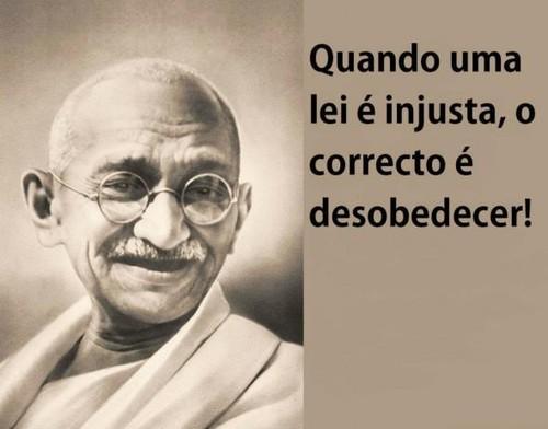 Gandhi, desobedecer