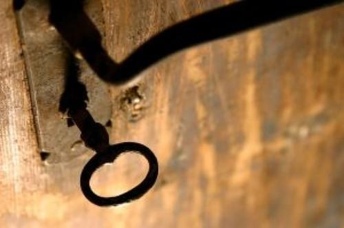 fechadura-e-chave_2658246.jpg