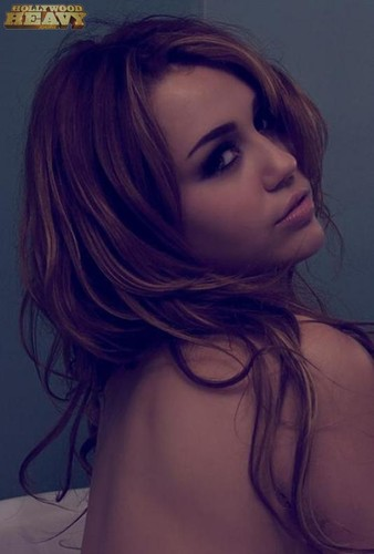 Myley Cyrus nua