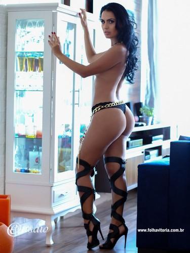 Aline Alves 5.jpg